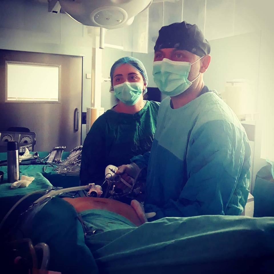 Əl yardımlı laparoskopik donor nefrektomiyası